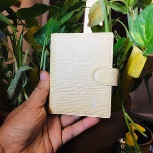 Louis Vuitton Pastel Yellow Epi Mini Agenda ❤️